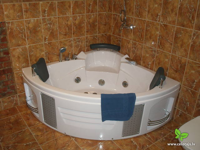 JUNIOR SUITE WITH A JACUZZI AND A BALKON 2.JPG