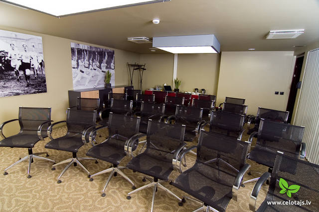Conference room - Theatre style-Front.jpg