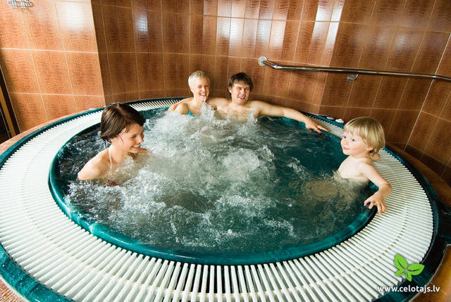 Jaccuzy in privat sauna.jpg