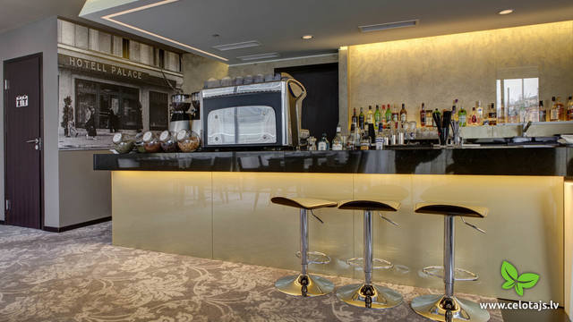 Hotel-Palace_Gallery-Bar_Konrad-3.jpg