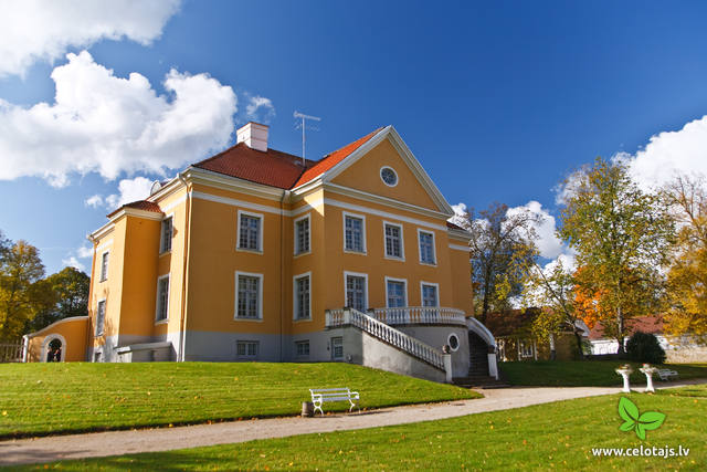 Palmse Manor.jpg